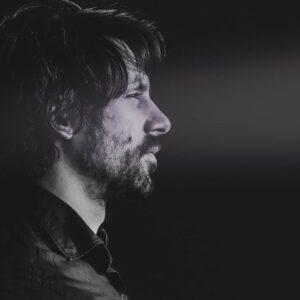 Léon Huisman - vocals / guitar